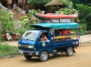 Fahrt zum Kajaktrip auf dem Nam Khan