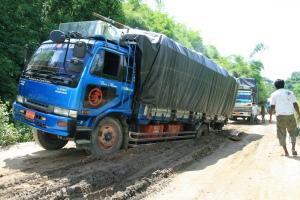 In der Regenzeit wird der Highway stellenweise zur Herausforderung